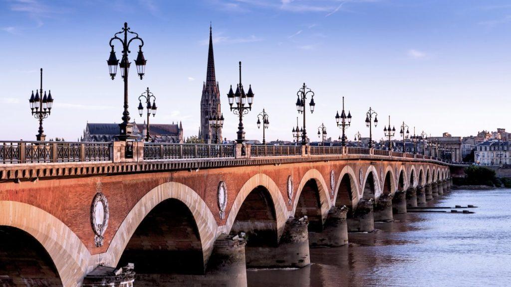 La-ville-de-Bordeaux-une-destination-aux-nombreux-atouts.jpg